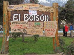 """La population del Bolson unie contre le projet de l'entreprise Laderas de construire un lotissement immobilier """"luxueux"""" dans la Pampa de Luden, un espace naturel protégé"""